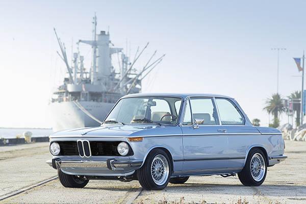 KERN-150319-Clarion_BMW_2002_025skytrim_original1.jpg