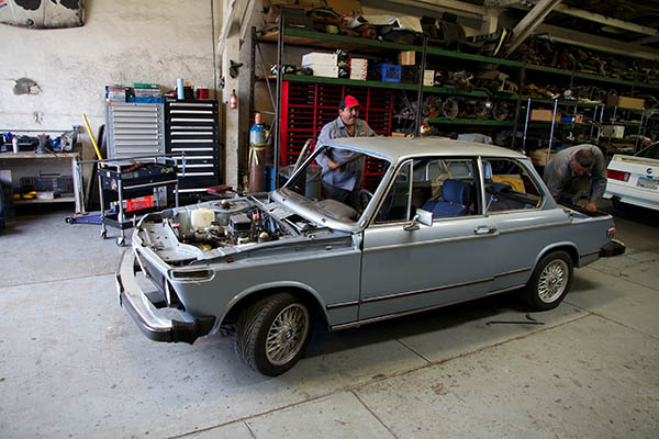 Clarion Builds BMW 2002 CoupeKing Teardown 13228.jpg