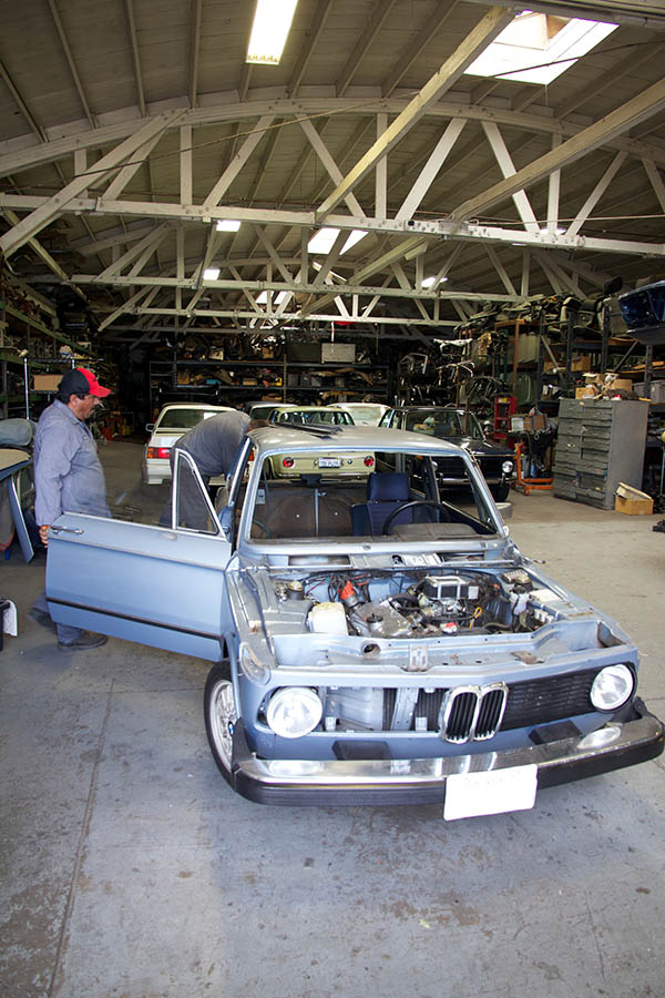 Clarion Builds BMW 2002 CoupeKing Teardown 13230.jpg