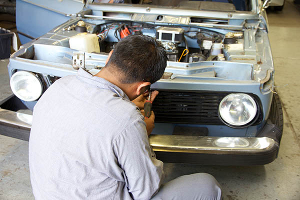 Clarion Builds BMW 2002 CoupeKing Teardown 13232.jpg