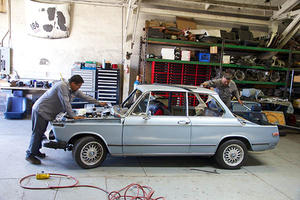 Clarion Builds BMW 2002 CoupeKing Teardown 13249.jpg
