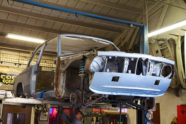 Clarion Builds BMW 2002 CoupeKing Teardown 13411.jpg