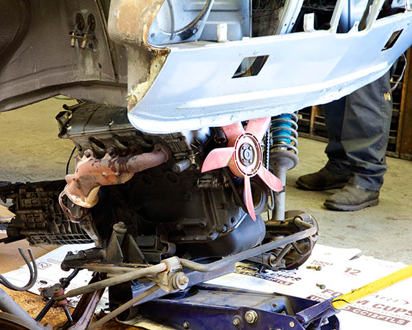 Clarion Builds BMW 2002 CoupeKing Teardown 13453.jpg