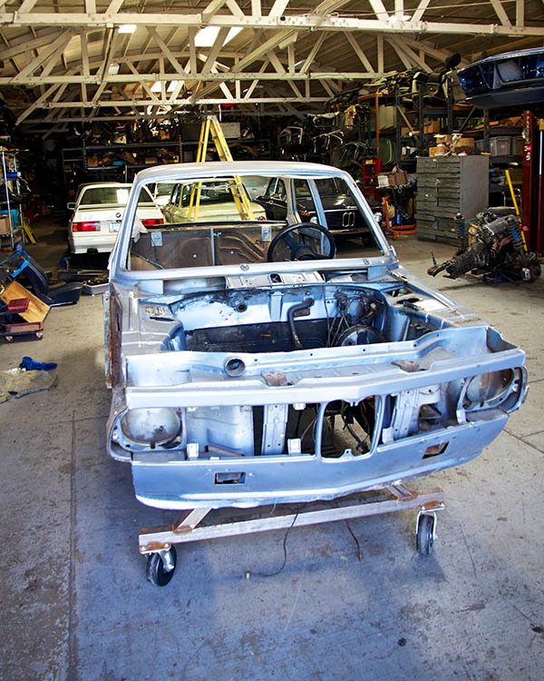 Clarion Builds BMW 2002 CoupeKing Teardown 13551.jpg