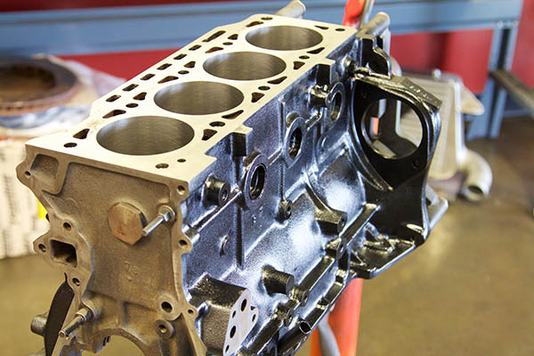 BMW 2002 Engine Build 003.jpg