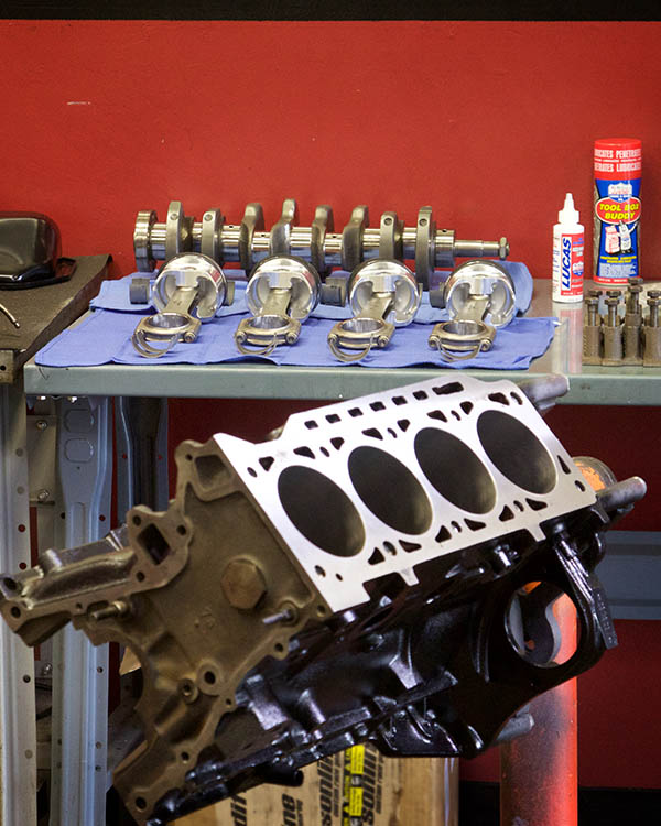 BMW 2002 Engine Build 057.jpg