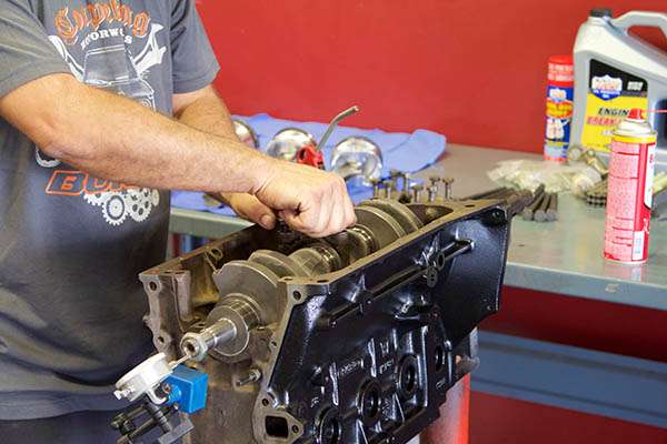 BMW 2002 Engine Build 097.jpg