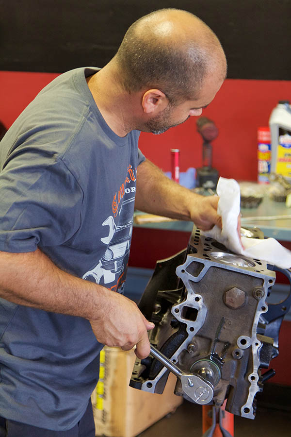 BMW 2002 Engine Build 283.jpg