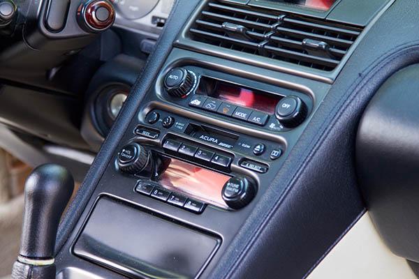 Clarion Builds Acura NSX 4327.jpg