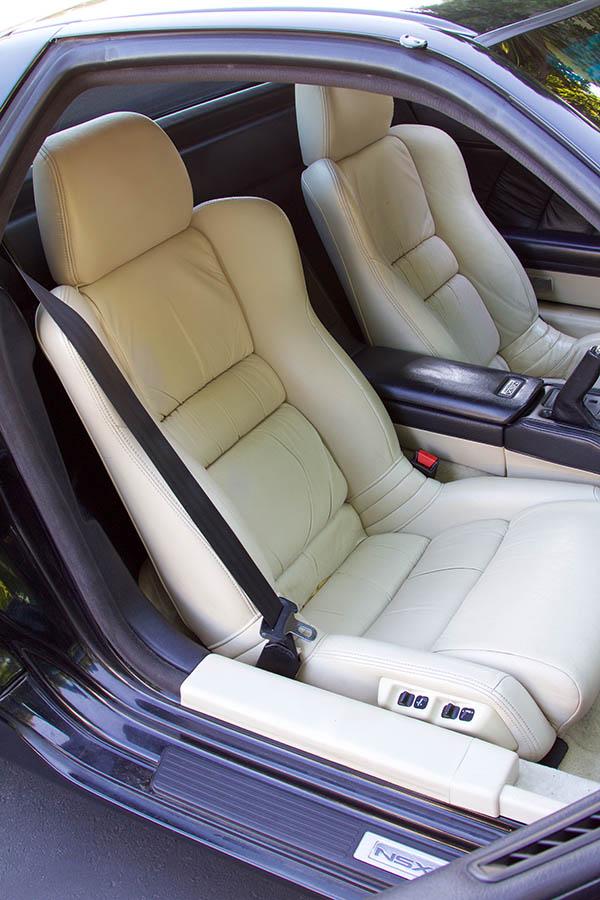 Clarion Builds Acura NSX 4362.jpg
