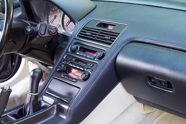 Clarion Builds Acura NSX 4325.jpg
