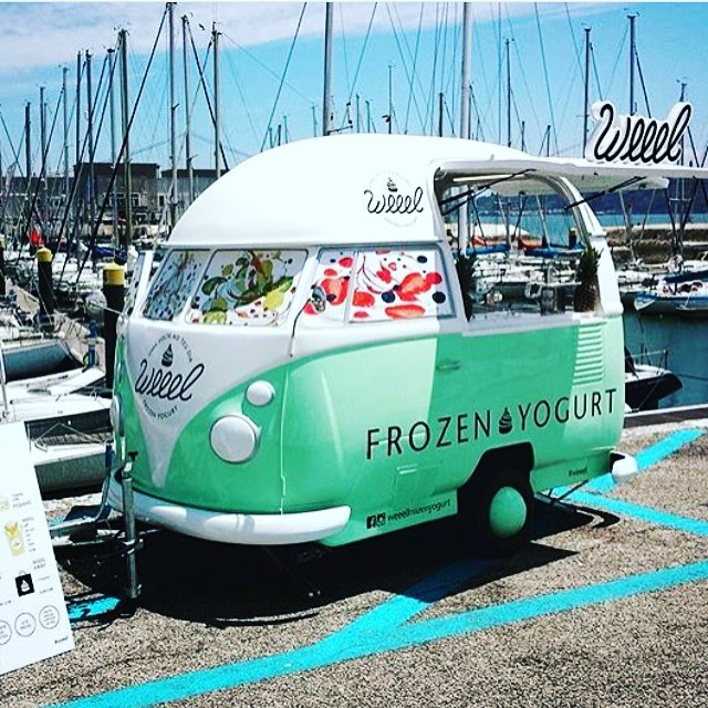 In love with bolers lately. Such a cute ice cream truck set-up. My retirement dream 🚚�