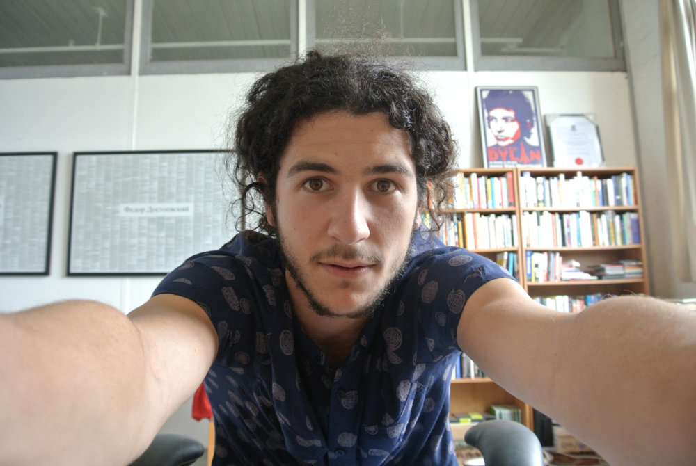 "Featured Contributor: Oscar Schwartz     browcontribs :      Oscar Schwartz  is a writer from Melbourne. He is currently writing a PhD on whether computers can write literature. He tweets at  @scarschwartz .   Read his piece  'Swipe Right: Stories From Tinder'  in  TLB21 .    Read his piece  '""A Bone of Fact"": The Gambler's Review'  in TLB: Online."