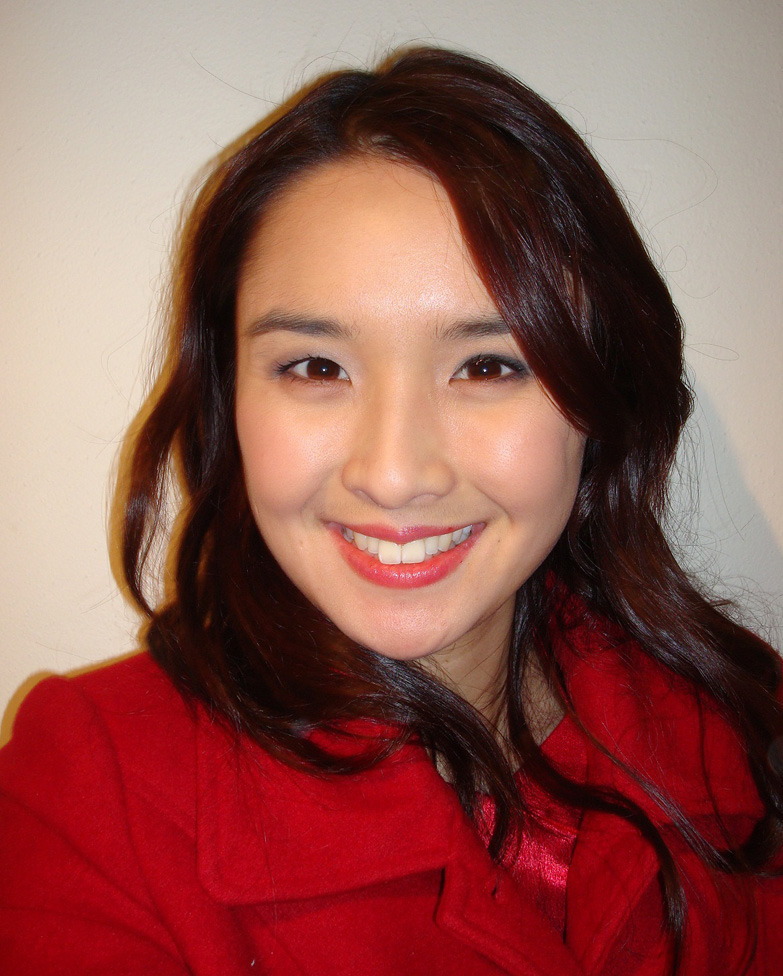 Featured Contributor: Alice Pung browcontribs: Alice Pung is a writer, lawyer and teacher. She was born in Footscray and grew up in Braybrook, is the author of Her Father's Daughter and Unpolished Gem,and is the editor of Growing up Asian in Australia. Read Alice's column 'Bonds: Searching for America' in TLB8. Read Alice's column 'Bonds: Screen Dumps' in TLB9. Read Alice's column 'Bonds: Performance Anxiety' in TLB10. Read Alice's column 'Bonds: Mum Forbidden in the City' in TLB11. Read Alice's column 'Supper' in TLB12. Read Alice's column 'Bonds: Returning' in TLB13.