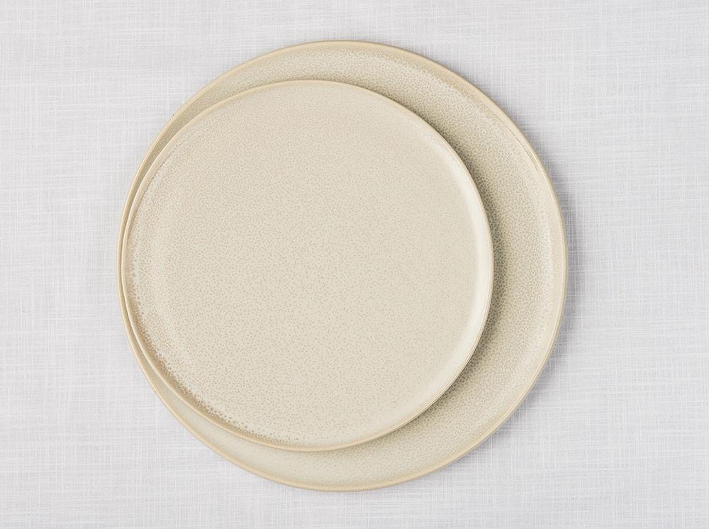 02-plates.jpg