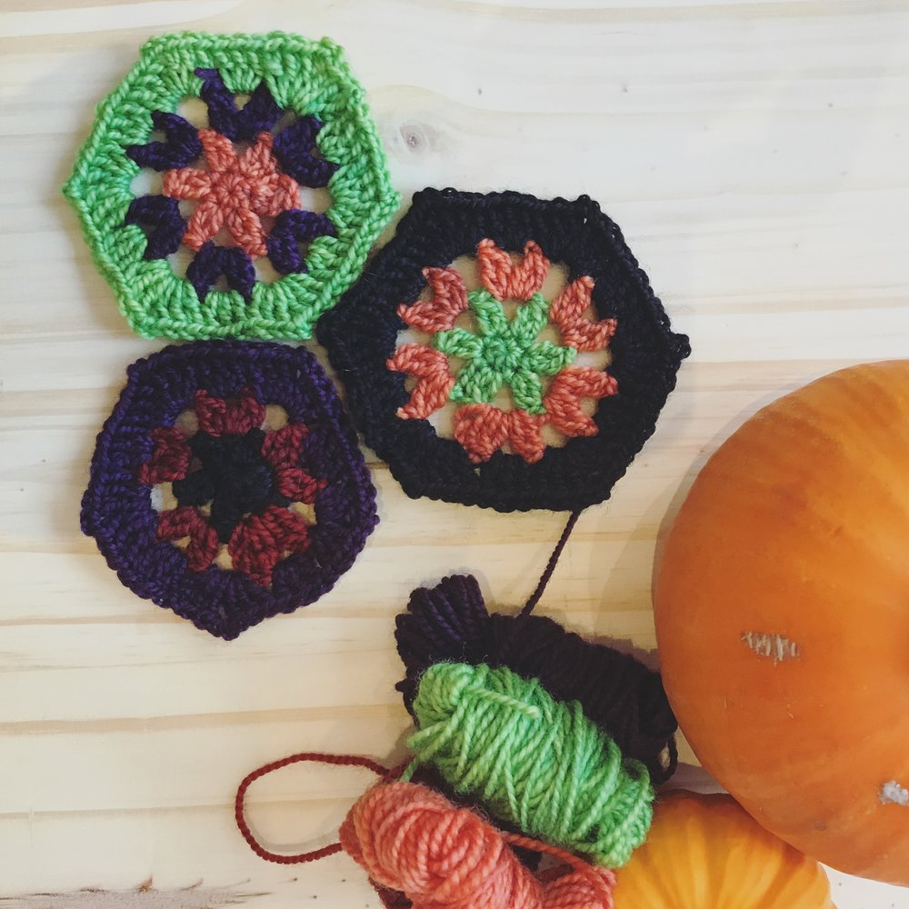 Super Simple Hexagon by Leanda Xavian Image © Firefly Fiber Arts Studio