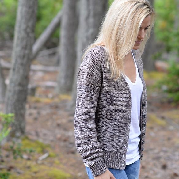 Envision Cardigan by Heidi May Image © Heidi May