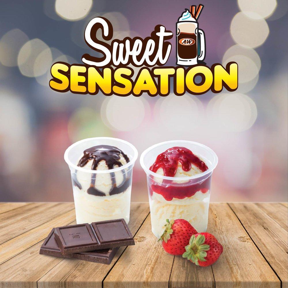 VANILLA SUNDAE   CHOCOLATE / STRAWBERRY TOPPING
