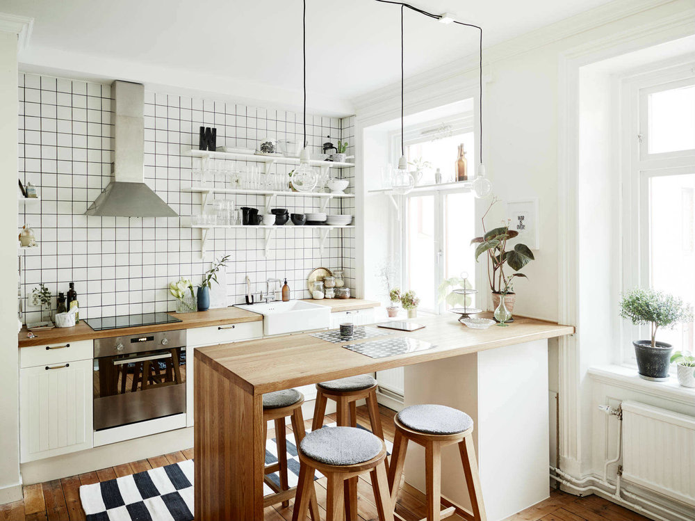 Sleek-small-scandinavian-kitchen-table.jpg