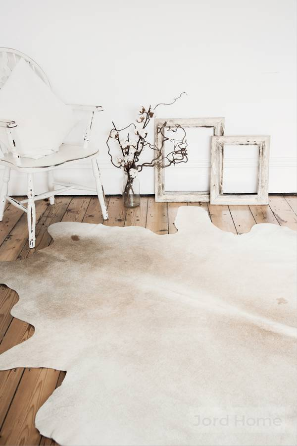 original_mare-neutral-cowhide-rug.jpg