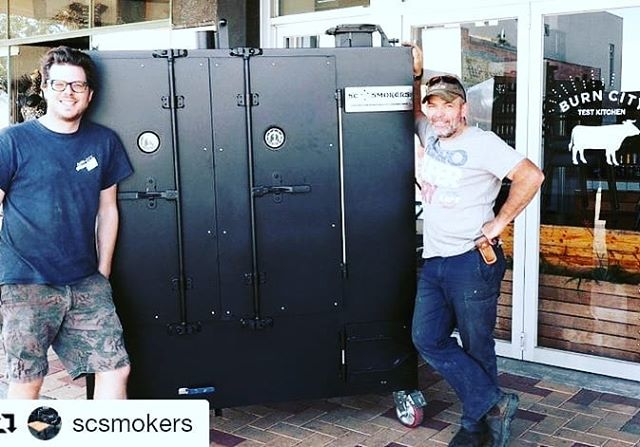 The newest addition to the family! Awesome rig from the guys at @scsmokers  Thanks Andy, Brett and all the boys there.  #burncitysmokers #burncitytestkitchen #scsmokers #gravityfeed #newtoy #bbq #bbqporn  #southkingsville #westside #melbourne #Repost @scsmokers (@get_repost) ・・・ @burncitysmokers test kitchen the new sc gravity beast has landed 💥#australianmade