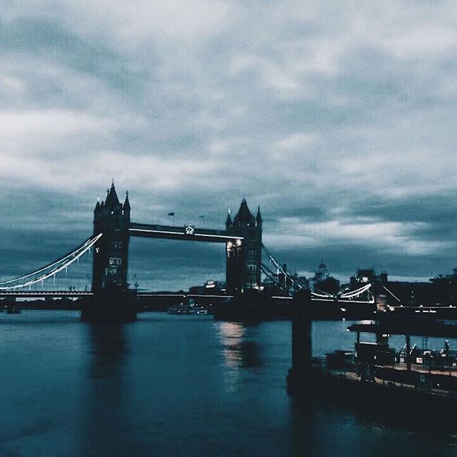 Dreaming about London sunsets 📷 by @song_seon_b #findyournewself ( #📷 @lccexchange via @latermedia )⠀ Where does study abroad take you? ⠀ --⠀ Want to share your #studyabroad adventures? Use hashtag #abroadjournal to be featured!