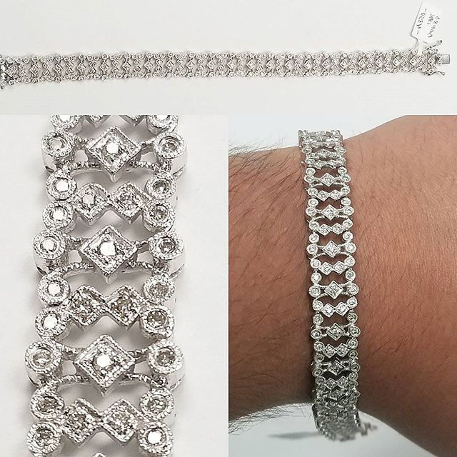 2.10 ct. Diamond 18k White Gold bracelet  for sale $3,900 only this week! 📱786-547-9982 or DM for inquiries  15% off to our Military and First Responders  #teamhits #diamond #colombian #emerald #18k #gold #diamonds #military #troops #ring #jewelry #fire #department #army #navy #police #bluelives #miami #florida #southflorida #joyeria #watches #rolex #jewelrydesign #custom #order #heart #shaped #blue #sapphire N590-