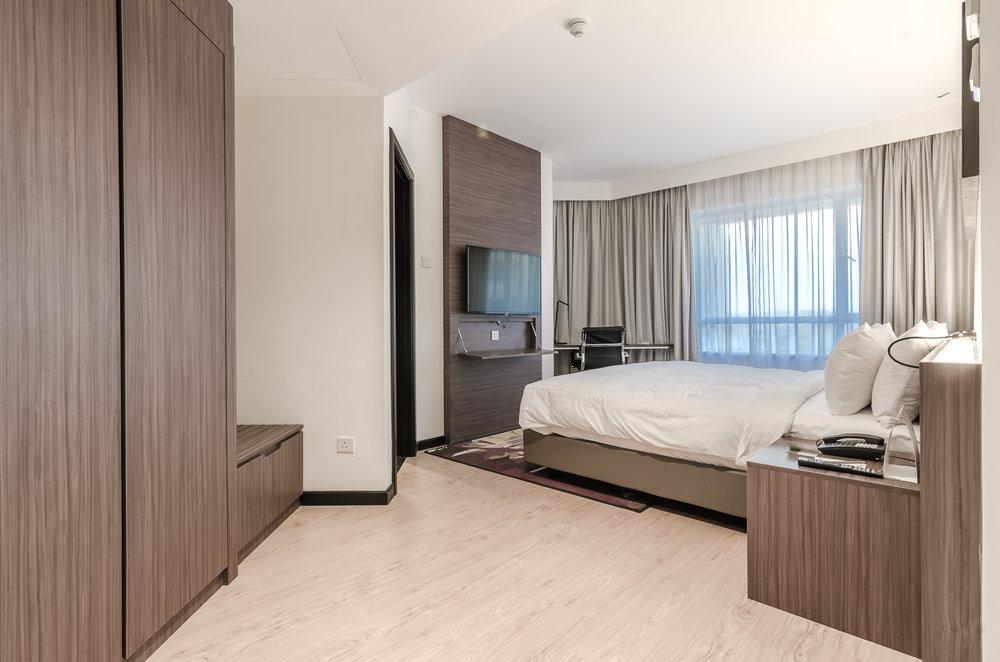 oakwood-hotel-kuala-lumpur-malaysia-bedroom.jpg