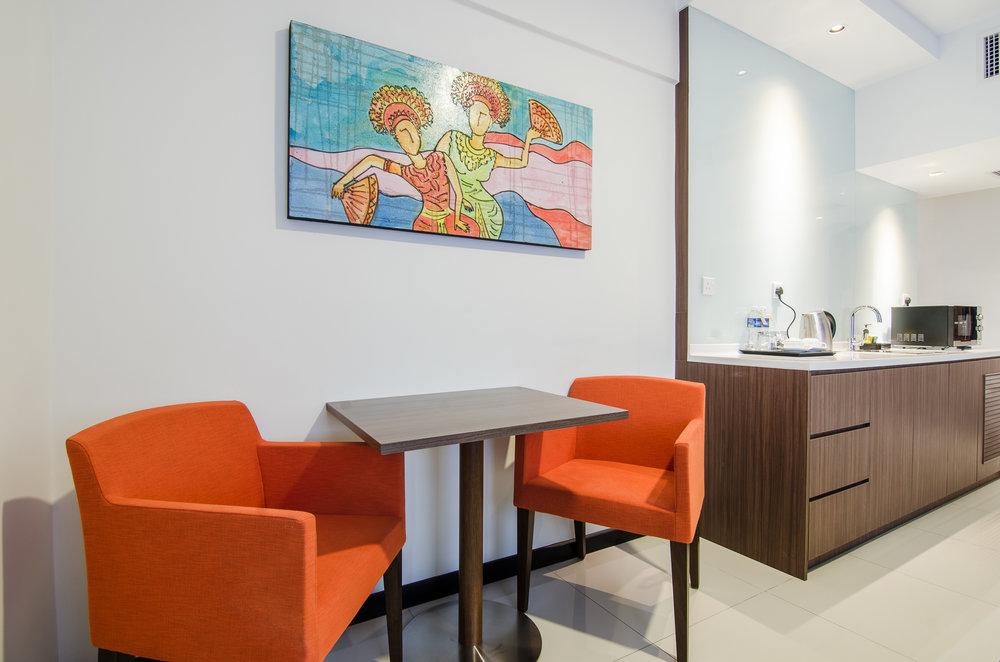 oakwood-hotel-kuala-lumpur-malaysia-dining-area.jpg