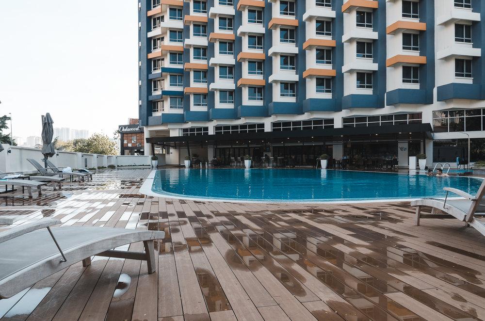 oakwood-hotel-kuala-lumpur-malaysia-outdoor-pool.jpg