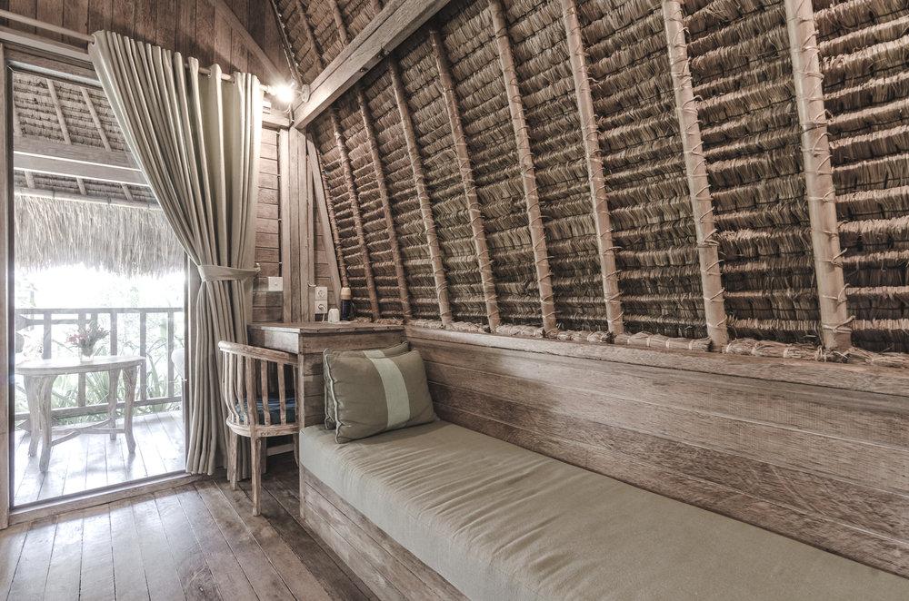 komodo-garden-nusa-lembongan-bali-bungalow-interior.jpg