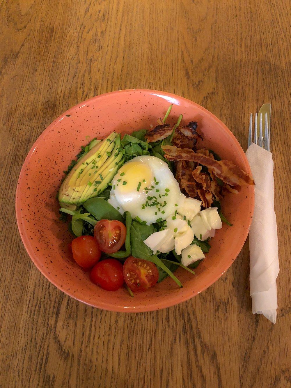 Breakfast bowl, Figar 1070