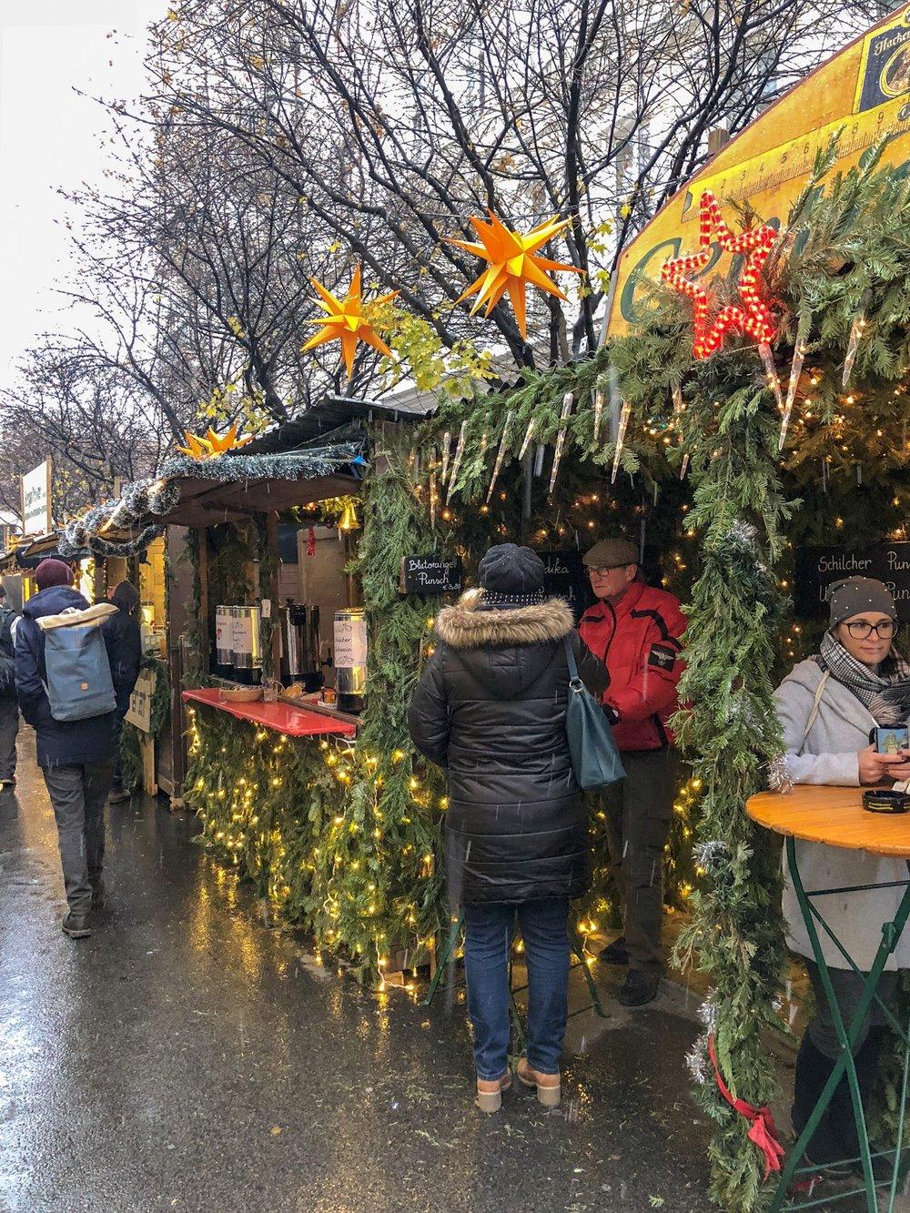 Artisan Christmas market, Museums Quarter