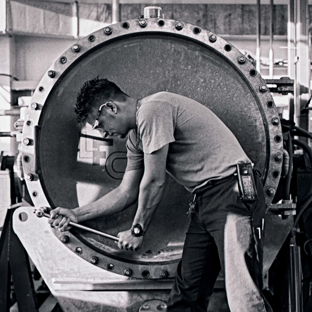 MG-Worker_28x28finalSharp_Neu.jpg