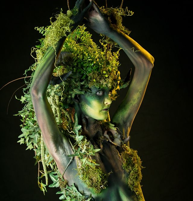 1:00 - Roving - Theme 2: GARDEN OF EDEN - 4 Female Dancers who will be set as 'Moving Art'. They enter performing a stylised short 'routine' to get to their positions.  They stay in character never speaking, moving very slowly from pose to pose within a section of the space.
