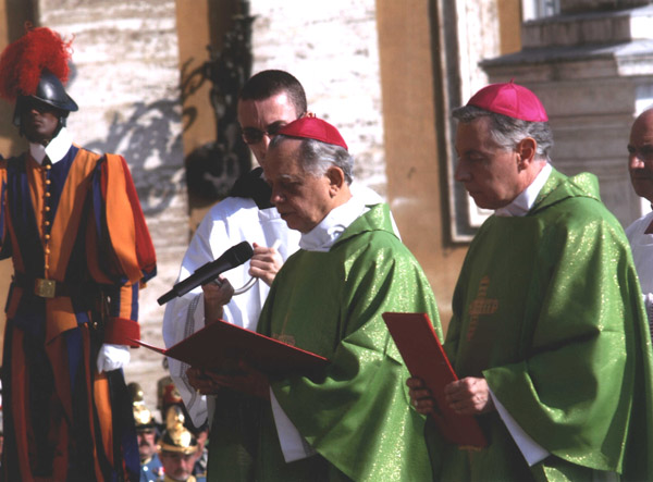 Bishop D. Teodoro de Faria of Funchal, Madeira (left) petitions the Holy Father to Beatify Emperor Karl.