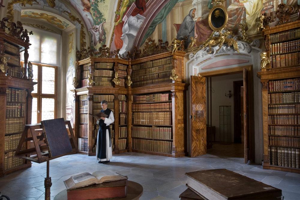 Austria_-_Heiligenkreuz_Abbey_-_1704.jpg