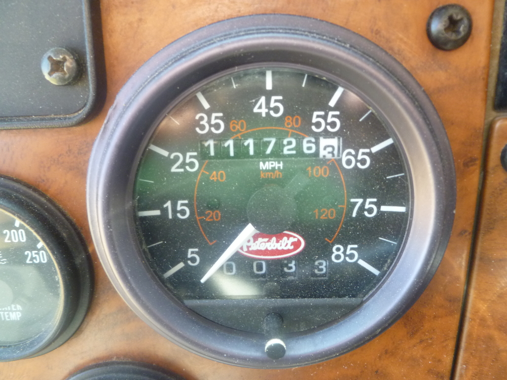 2009 Peterbilt service truck_04.JPG