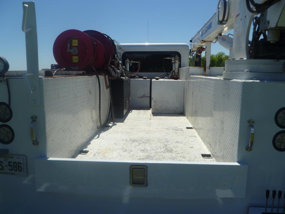 2009 Peterbilt service truck_14.JPG