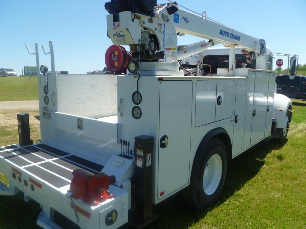 2009 Peterbilt service truck_15.JPG