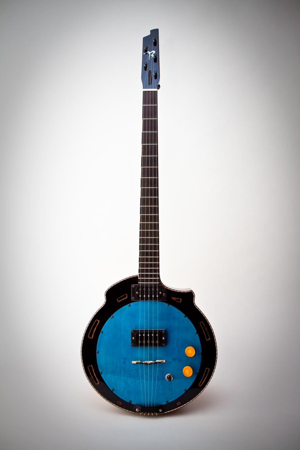 blue banjo