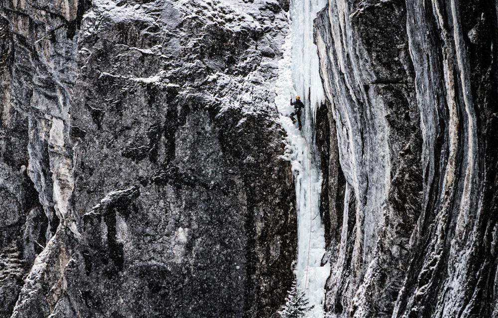 Eisklettern-Urnerboden copy.jpg