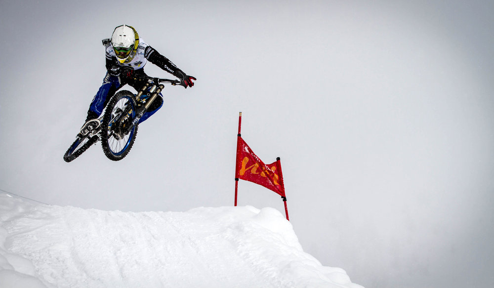 snow-downhill-race-32.jpg