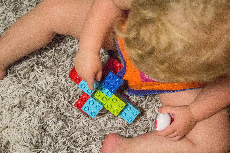 Duplo En Lego De Eenvoud Van Het Samen Bouwen Vaderklap