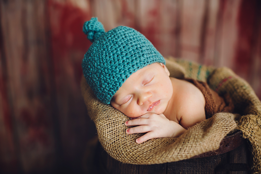 michigan-rustic-newborn-photography09