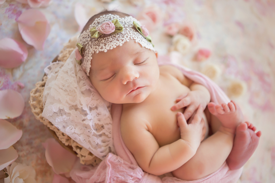 GrandRapidsnewbornphotographer08.jpg
