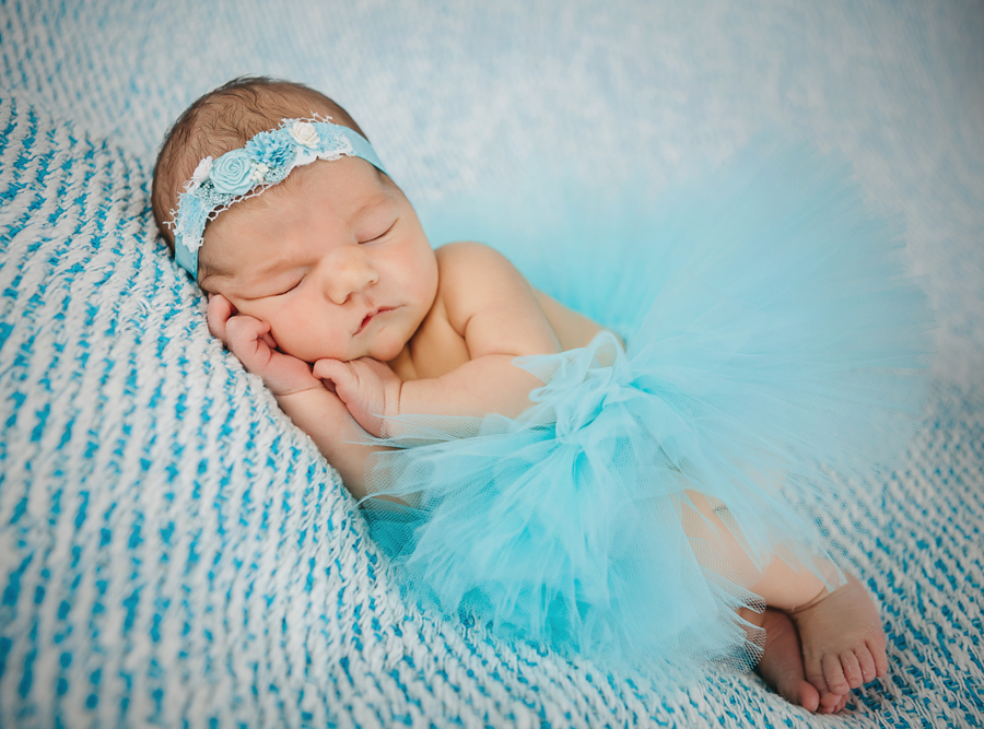 GrandRapidsnewbornphotographer33.jpg