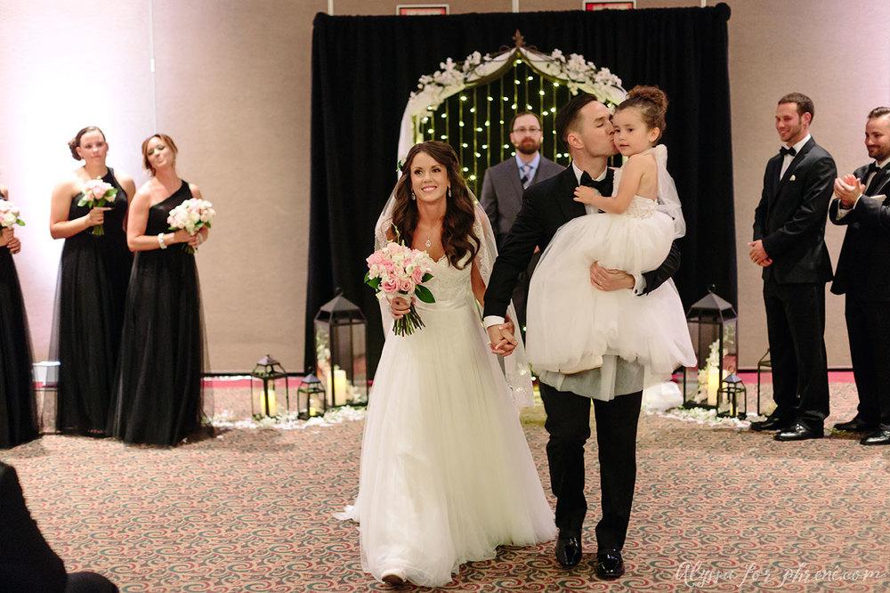 Lansing_Center_Wedding_30.jpg