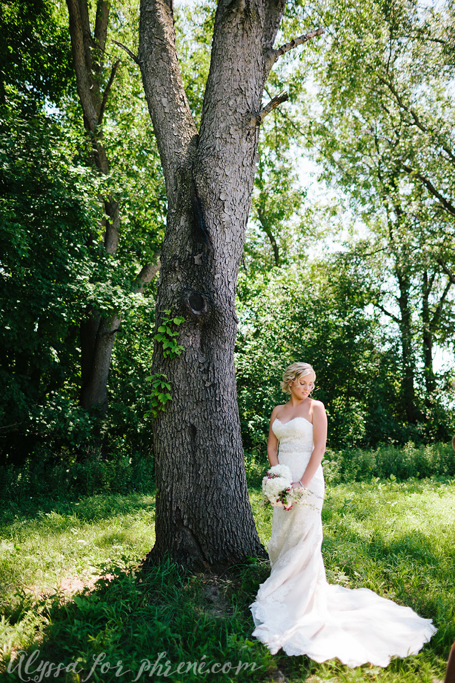 Michigan_Backyard_Wedding_036.jpg