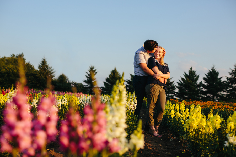 field of flowers engagement photography037.jpg